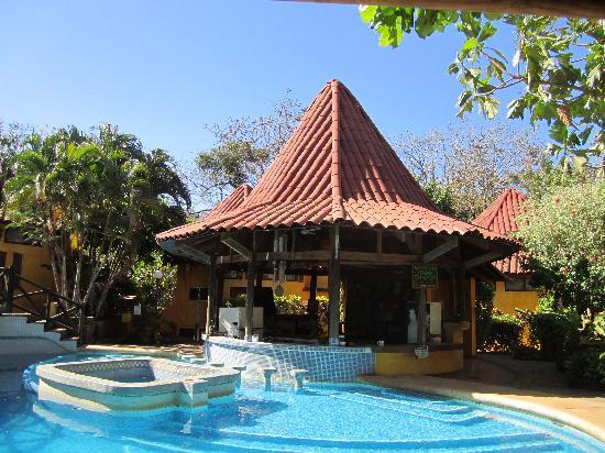 Hotel Luna Llena: Pool bar