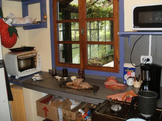 La Casona de Odile: La cocina, bien equipada..