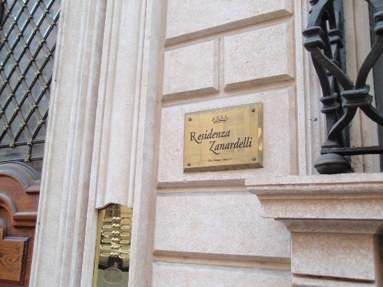 Residenza Zanardelli: plaque