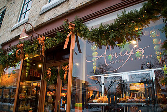 Cedarburg, WI: Amy's Candy Kitchen Retail Store