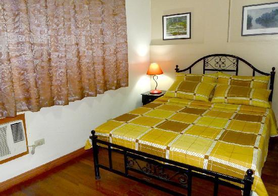 1775 Adriatico Suites: Deluxe Bedroom