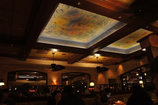The Cheesecake Factory: Inside :)