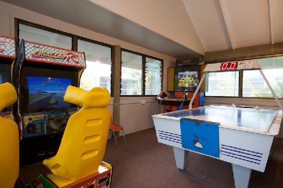 Pelican  Beach Resort : Games Room