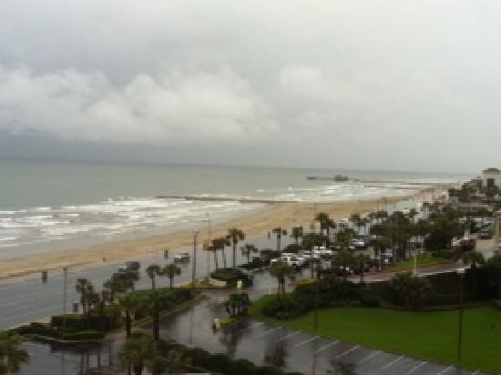 Holiday Inn Resort Galveston-On The Beach: view from our room on the 8th floor!