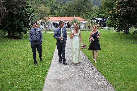 Furneaux Lodge: Annabel & Josh Wedding March 2012