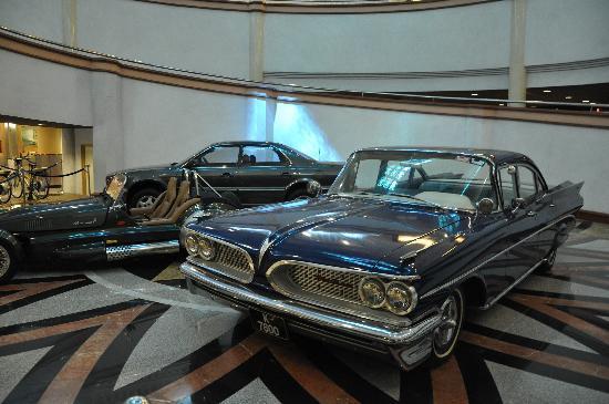Galeria Perdana: Dr. Mahathir love his cars.