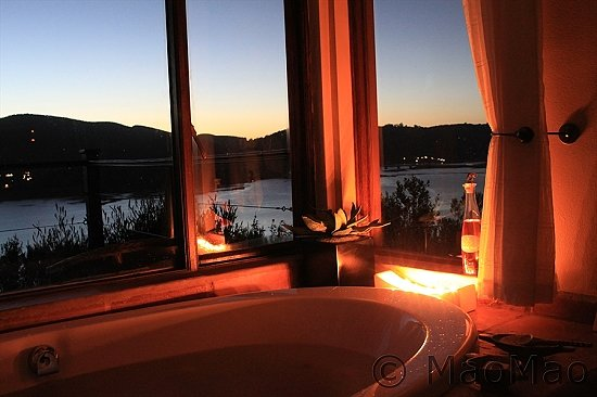Elephant Hide of Knysna Guest Lodge: Spa Bath