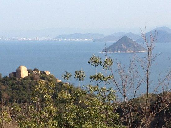 Tamano, Japan: 王子が岳より瀬戸内海の景色。ニコニコ岩もポイントです!