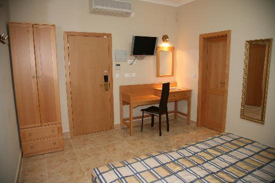 Ulysses apart hotel xlendi malta omd men och for Appart hotel 63