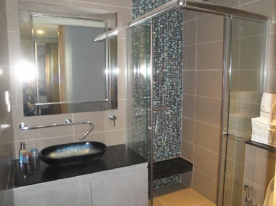 The Ardennes Hotel: salle de bain