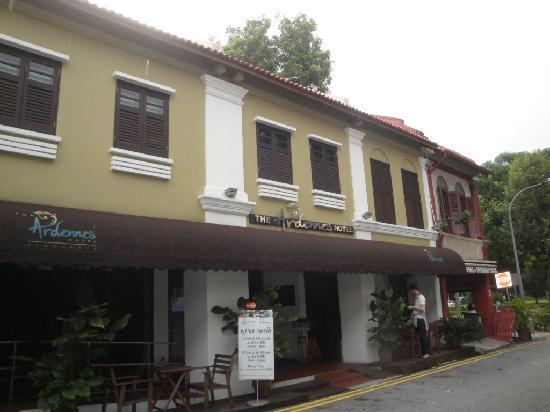 The Ardennes Hotel: devanture de l'hôtel