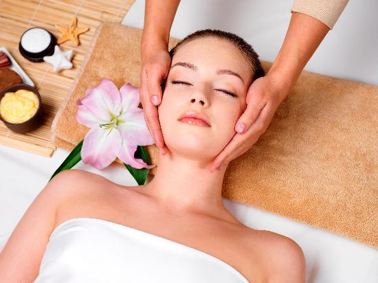 Hyatt Regency Dubai: The spa at the hotel offers an extensive treatment menu and services of professional therapists