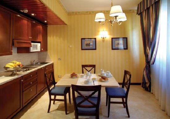 ATAHOTEL The Big Residence: Angolo Cottura