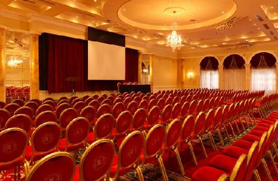 Clyde Court Hotel: Ballroom Theatre Style