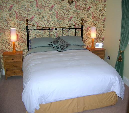 Larks Rise: Mungo Park bedroom