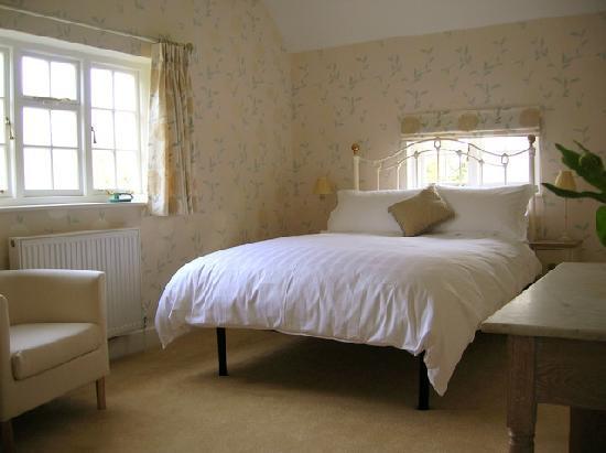 Larks Rise: Ashleigh bedroom
