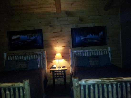 The Lodges at Sunset Village: bedroom