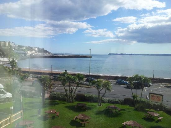 Premier Inn Torquay Hotel : The view from our room(129). Absolutely gorgeous.