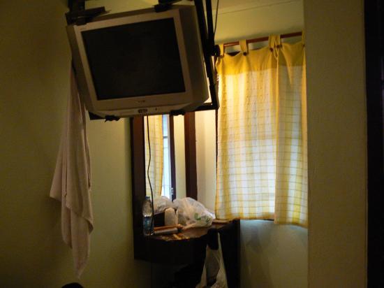 Amarin Inn: room