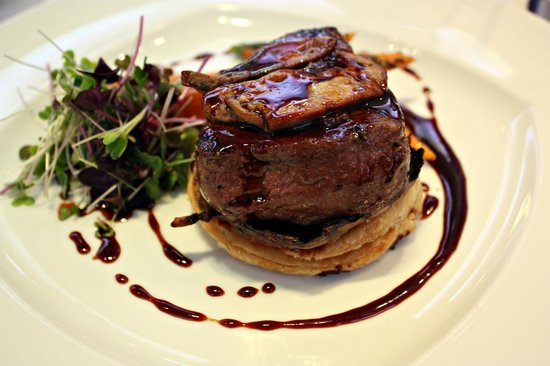 L Italiano Inside Out Beef Wellington At Spectrum Restaurant