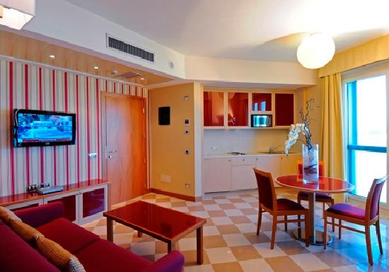 Atahotel The One : Soggiorno Appartamento Bilocale