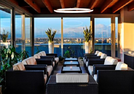 Atahotel the one 113 1 2 7 prices hotel reviews for Arredamenti ballabio san donato milanese