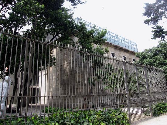 Museo de Bellas Artes: Museo Bellas Artes. Antiguo convento Capuchinas.