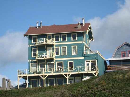 Sylvia Beach Hotel: Sylvia's on Nye Beach, Newport, OR