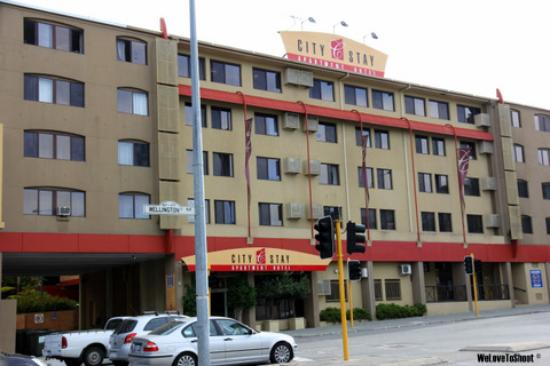 City Stay Apartment Hotel: the hotel building