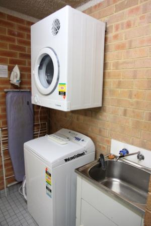 Perth Central City Stay: the washing area