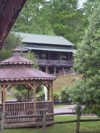 Loretta Lynn's Ranch: Old Birth Place and Home