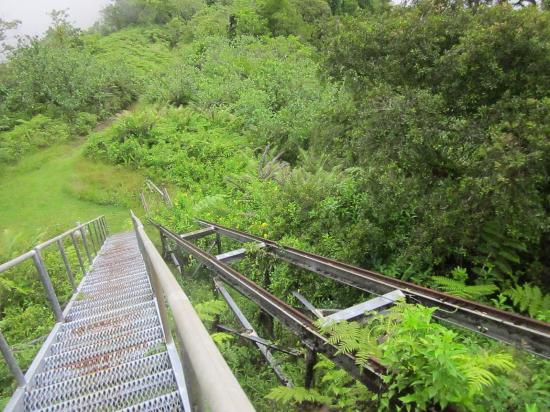Mount Alava: Stairs at the summit
