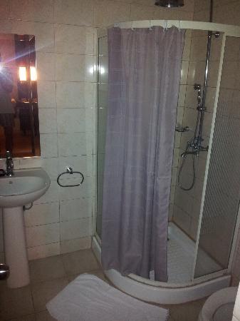 Badezimmer Klein Und Etwas Schmuddelig Picture Of View Park Hotel