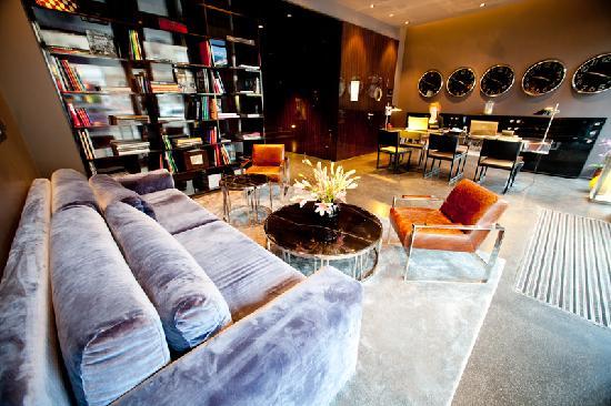 Hotel MANI: Lobby