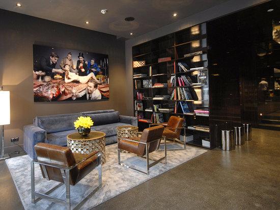 Hotel MANI: Lobby mit Bibliothek