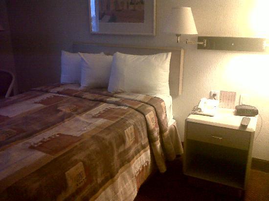 Hotel Casa Grande Delicias: Suite....pobre
