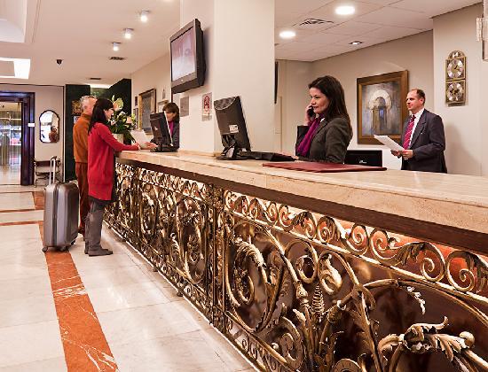 Hotel Becquer: Recepción