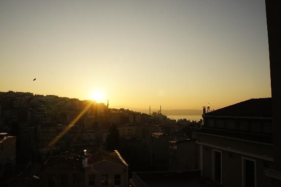 4Floors Istanbul: Rising Sun
