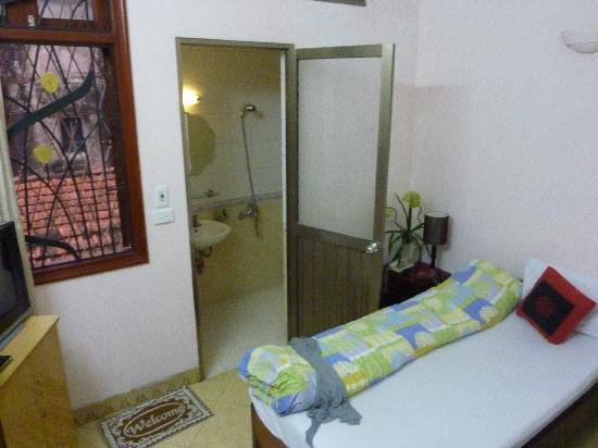 Tung Trang Hotel: chambre 303