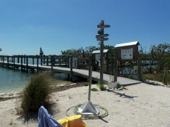 Barnacle Restaurant: Right on the wharf