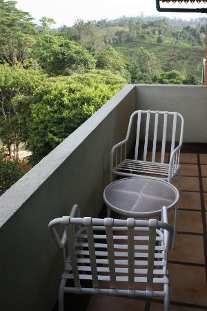 โรงแรมทรีออฟไลฟ์: Le petit balcon