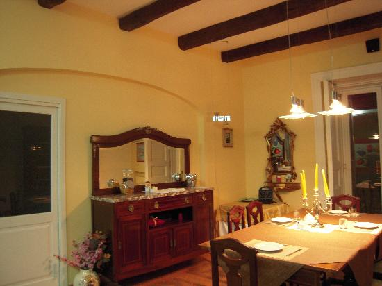 Bed and Breakfast Adelberga: la sala da pranzo