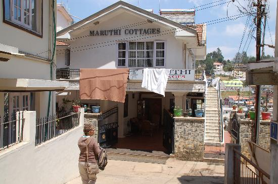 Maruthi Cottages: Entrance