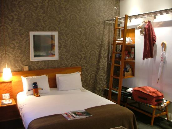 Drake Hotel Toronto: Bedroom
