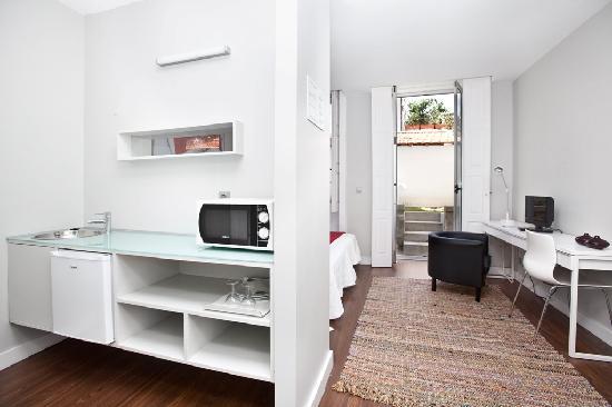 Cosme Guesthouse: Zaha Room 2