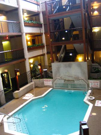 Quality Inn And Suites Downtown North Third Atrium Indoor Pool