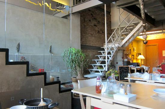 Peradays: ingresso-reception-sala colazione