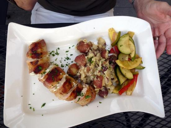 Pignoli on the Harbour: Chicken Roulade