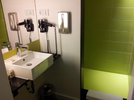 Hotel Gat Point Charlie: Badezimmer