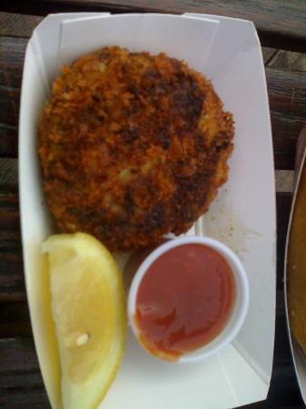 Pier Market Seafood Restaurant: crab cake from takeout counter